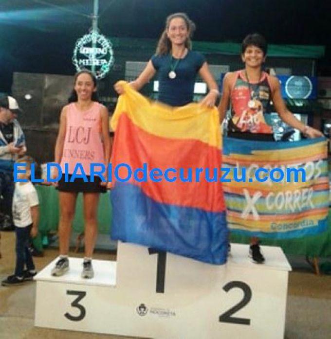 La atleta Claudia López logró el primer lugar en una Maratón Nocturna