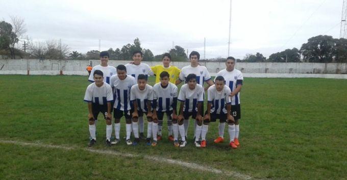 Belgrano goleó a Victoria en el clásico, y se aleja en la punta del campeonato