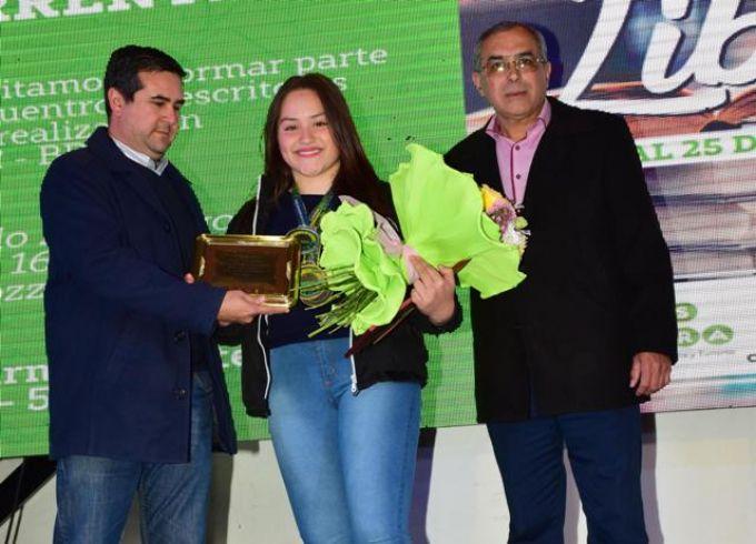 Entregaron un reconocimiento a la taekwondista Ximena Silva
