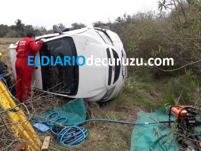 Ruta Provincial 25: vuelco de automóvil dejó una persona herida