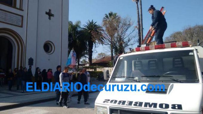 La imagen histórica de la Virgen Del Pilar visitó la Escuela Alberdi