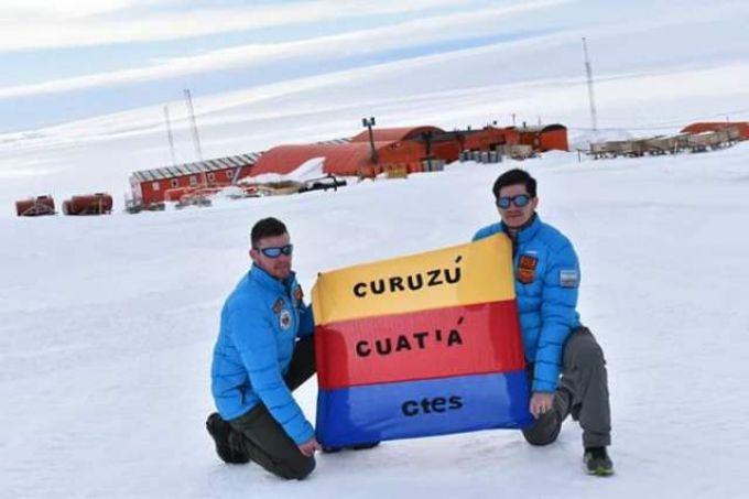 Desde la Antártida, dos compueblanos, celebran los 209 Años de Curuzú Cuatiá