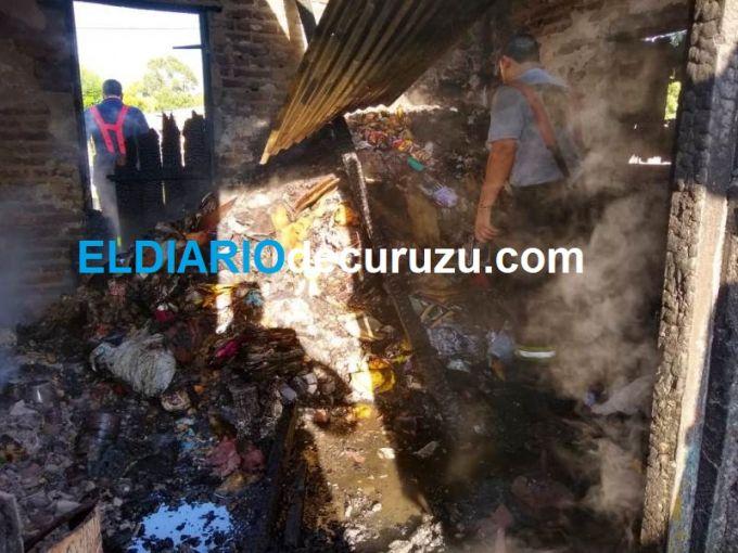 Incendio consumió todo una casilla en el barrio Santa Rosa