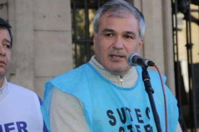 SUTECO repudia homenaje a docente condenado por violación a menores, prófugo y buscado por Interpol