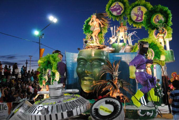 Comienza el Carnaval Artesanal del País