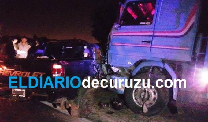 Camión y camioneta protagonizaron impactante siniestro vial, no hubo heridos