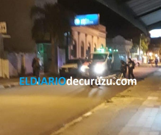 Repartidor chocó unas de las vallas de calle Berón de Astrada