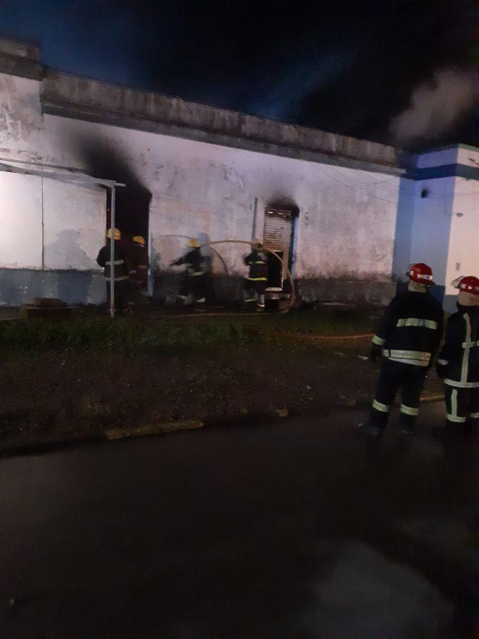 Bomberos de Curuzú Cuatiá prestaron servicio en Perugorría