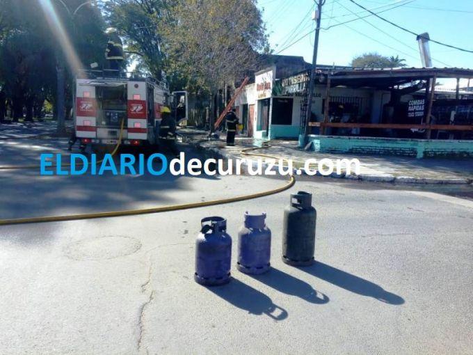 Se incendió un local de comida en la zona céntrica