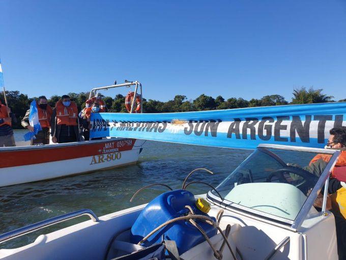 Senadores Correntinos en Isla Apipé luchan por la soberanía